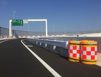 防護柵設置のポイント 連続基礎の設置
